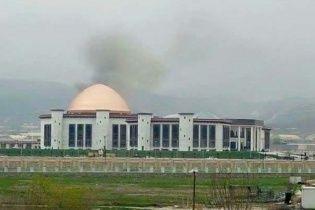 У будівлю парламенту Афганістану влетіла ракета