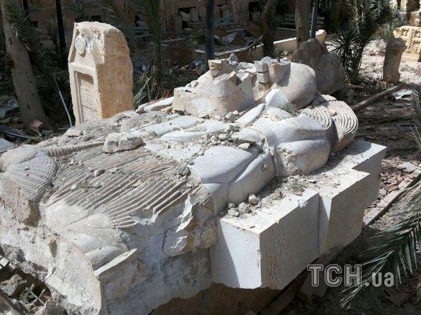 Знищені історичні пам'ятки і прапори ІД. Як виглядає звільнена Пальміра.
