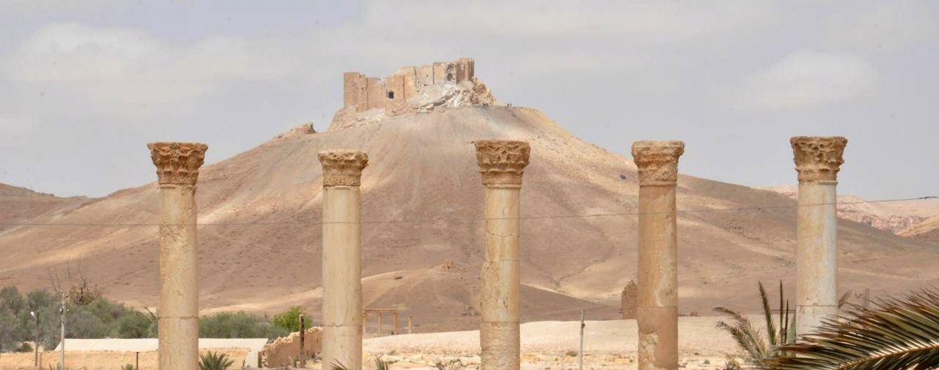"""Бойовики """"ІД"""" зруйнували найвідоміші пам'ятки Пальміри"""