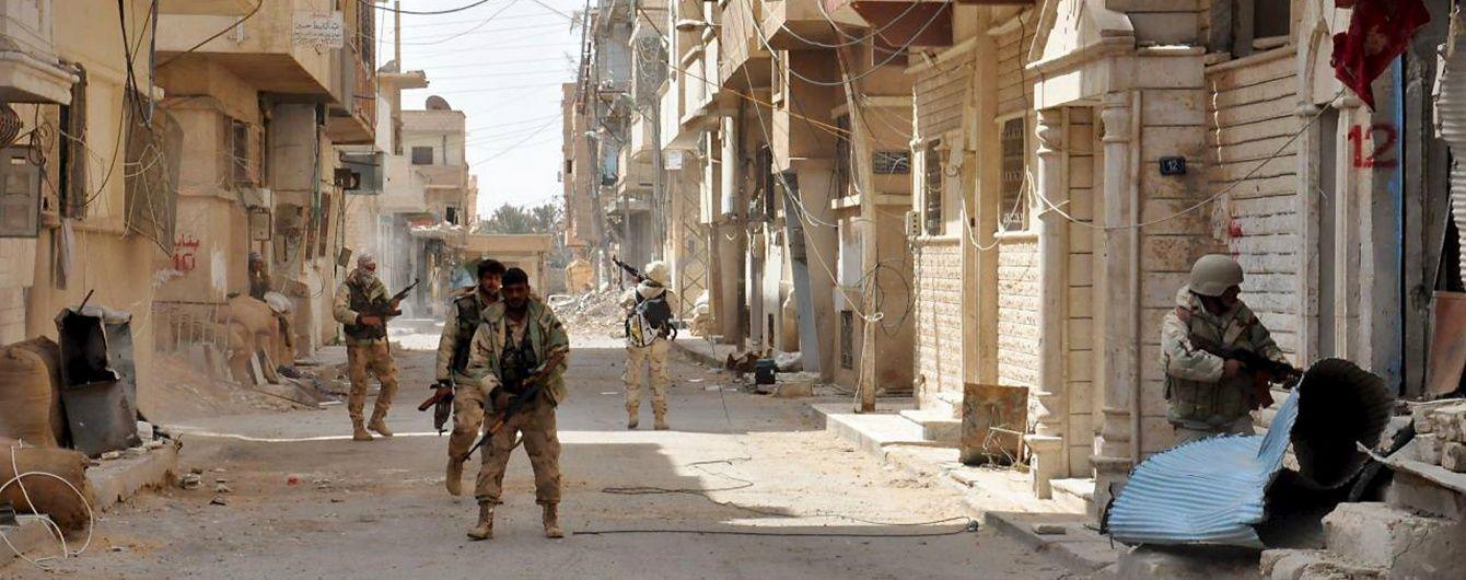 Сирійська армія наступає на захоплений бойовиками Ель-Карьятейн