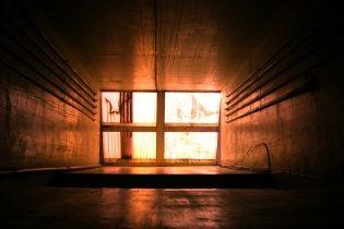 В Одессе сотрудник роддома разбился насмерть в шахте лифта