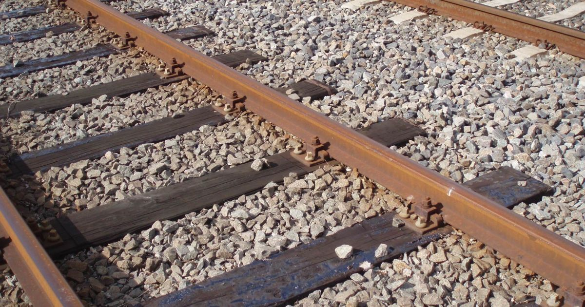 железнодорожные деревянные фото шпалы