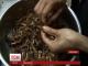 У Камбоджі французький ресторан готує комах на західний манер