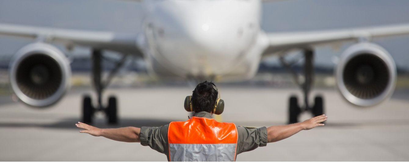 Із викраденого єгипетського літака вийшла частина заручників