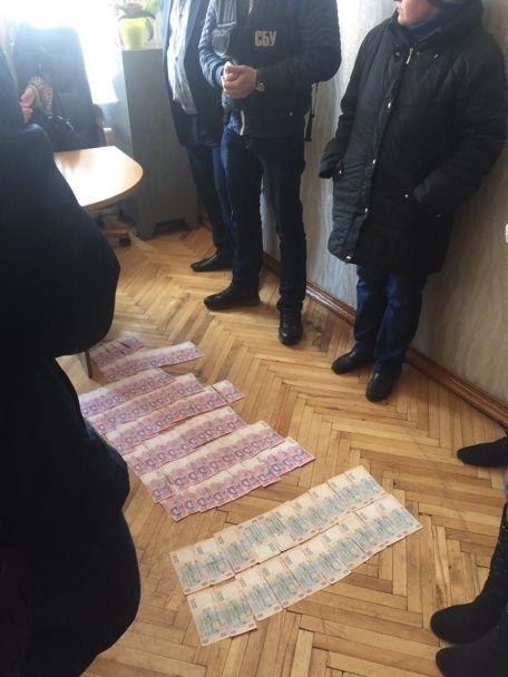 """На Київщині на хабарі """"погорів"""" посадовець Південно-Західної залізниці"""
