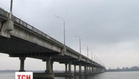 В Днепропетровске спасли женщину-самоубийцу