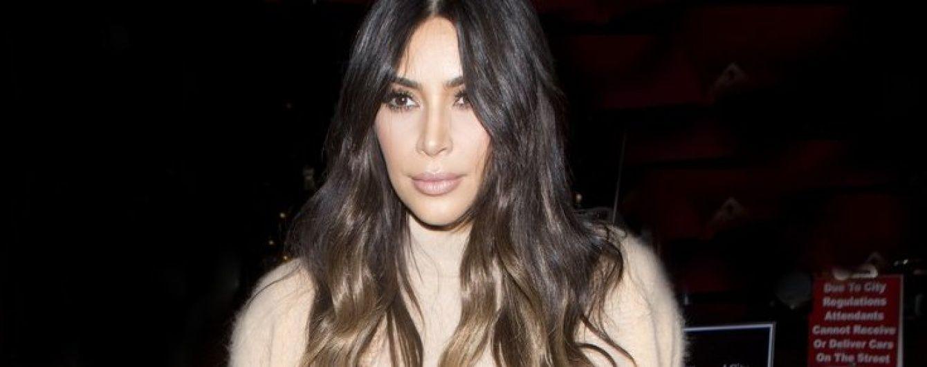 Результаты похудения: Ким Кардашьян влезла в мини-платье