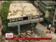 Щонайменше 20 людей загинули під уламками мосту, що впав в Індії