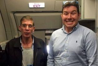 Усміхнений заручник про фото з викрадачем літака EgyptAir: Не дуже розумію, навіщо я це зробив