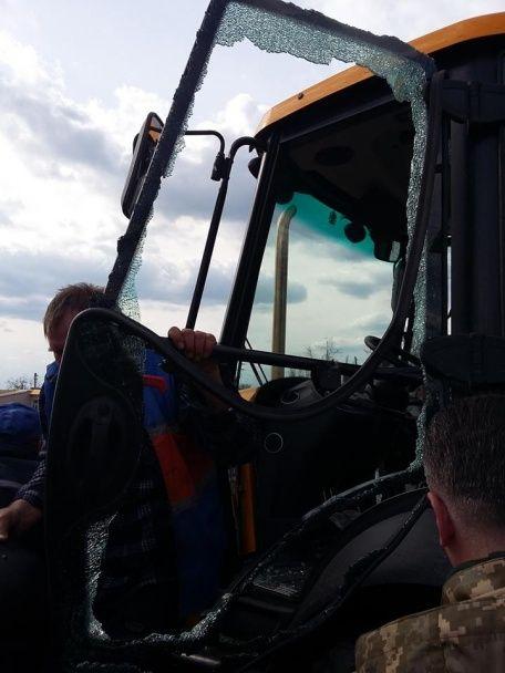 Бойовики вчергове обстріляли робітників у Мар'інці