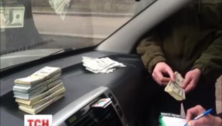 В Черкасской области на взятке погорел земельный чиновник