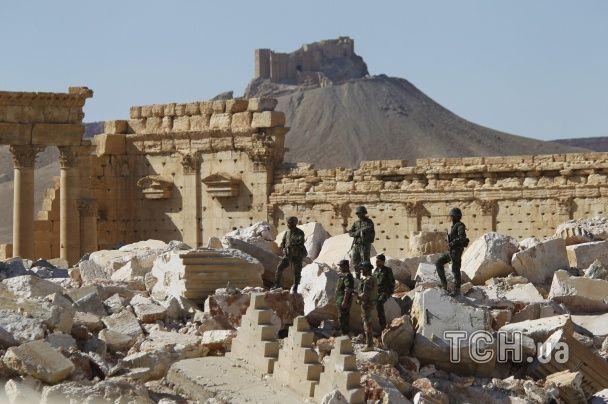 """З'явилися нові фото наслідків панування """"Ісламської держави"""" у Пальмірі"""