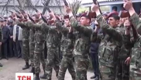 В ніч проти суботи Нагірний Карабах після 22-річного затишшя вибухнув артилерійськими залпами