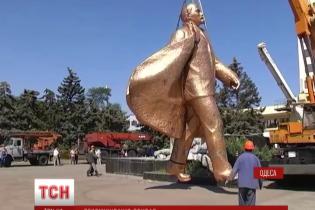 Петля для Леніна: на Одещині невідомі спробували знести пам'ятник Іллічу