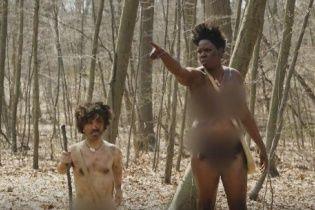 """Зірка """"Гри престолів"""" та його колега оголеними бігали лісом у кумедній пародії"""