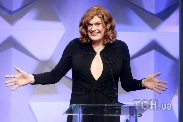 Тепер уже сестра: Трансгендер Вачовські вперше вийшла у світ у жіночому образі