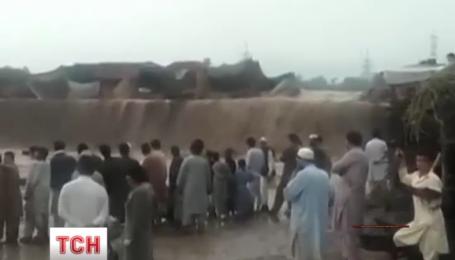 В Пакистане увеличивается количество жертв в результате наводнения