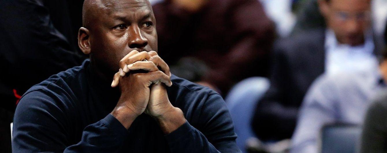"""Інтернет """"розірвали"""" меми з легендарним Джорданом, який плаче через поразку своєї команди"""
