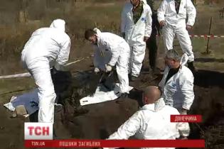 У стихійних похованнях в АТО тіла військових лежать разом із тілами бойовиків