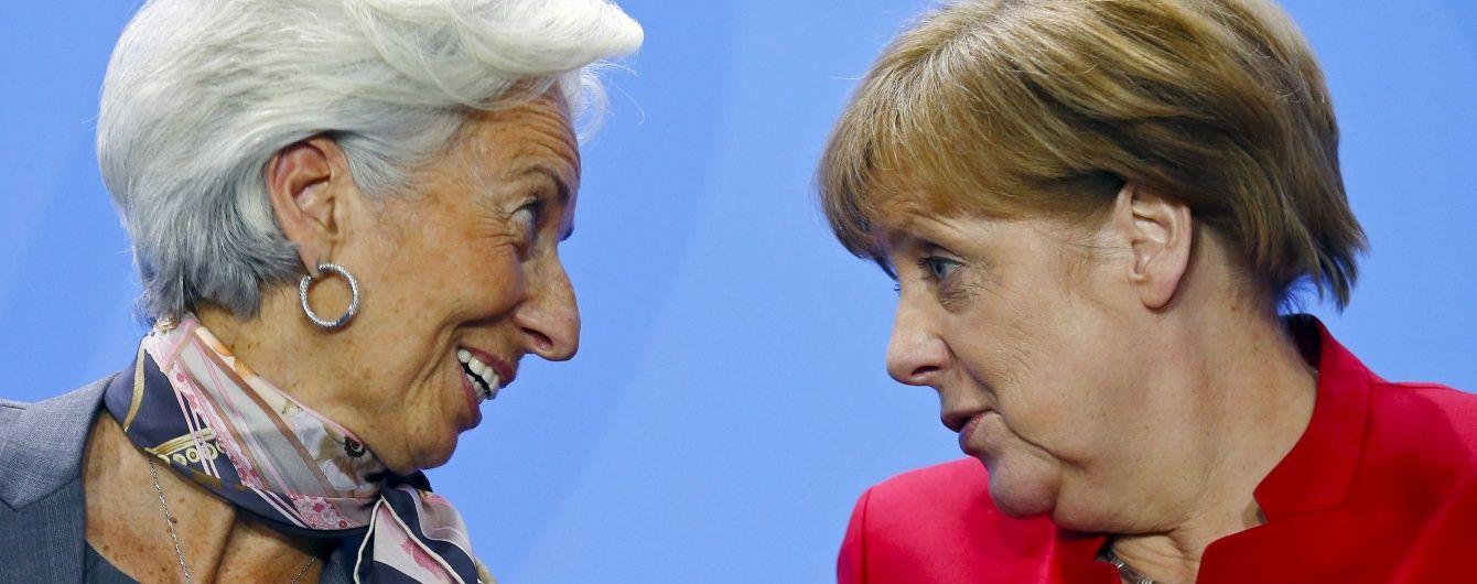 Після офшорного скандалу Меркель та Лагард пожурили Україну за корупцію