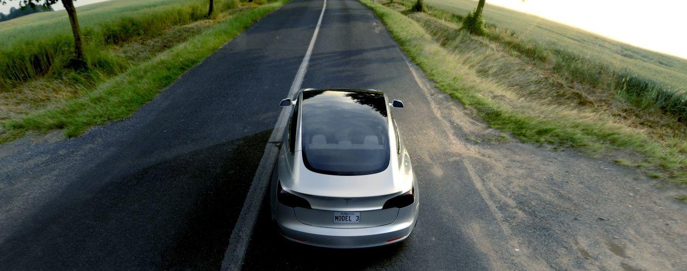В Австралії влаштували перегони між літаком Boeing та електромобілем Tesla
