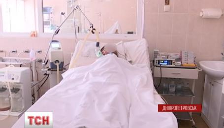 Медикам удалось спасти раненого с разорванной сонной артерией