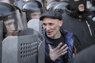 Як сепаратисти захоплювали адмінбудівлі в Харкові, Луганську та Донецьку - ключові відео