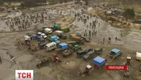 Нацгвардия будет бороться с незаконной добычей янтаря в Ровненской области