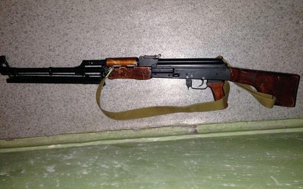 Правоохранители изъяли оружие у задержанного / © Управление МВД Киева