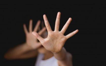 Крик почув батько: у Черкасах чоловік порізав і намагався задушити 13-річного хлопчика