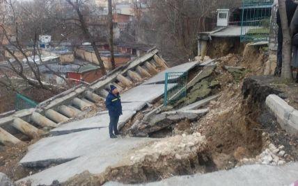 """Подпорная стена киевского """"дома над пропастью"""" признана муляжом"""