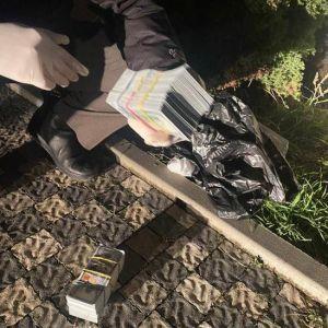 Требовали 100 тысяч долларов псевдодолга: полиция задержала рэкетиров (фото)