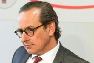 """Гендиректор австрійського банку звільнився через """"Панамський архів"""""""