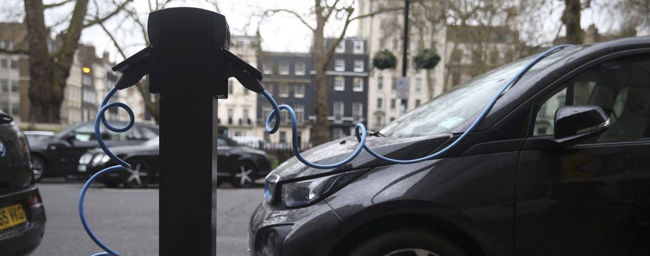 В Кабмине на три месяца арендовали электромобили на почти 150 тыс. грн