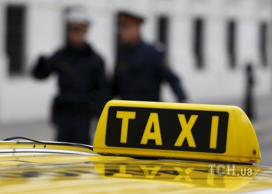 У Дніпрі пасажир вбив водійку таксі та втік на її машині