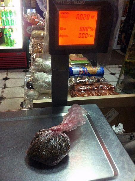 На Вінниччині поліцейські викрали гроші й паспорти в іноземців та підкинули їм наркотики