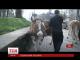 Олег Ляшко привів трьох корів до Кабінету Міністрів