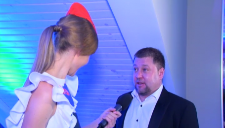 """Зірка """"95 Кварталу"""" житиме поруч із Петром Порошенком і Софією Ротару"""