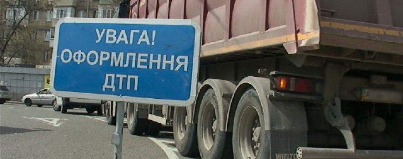 У Києві пенсіонерка вижила після аварії з вантажівкою, але померла від серцевого нападу