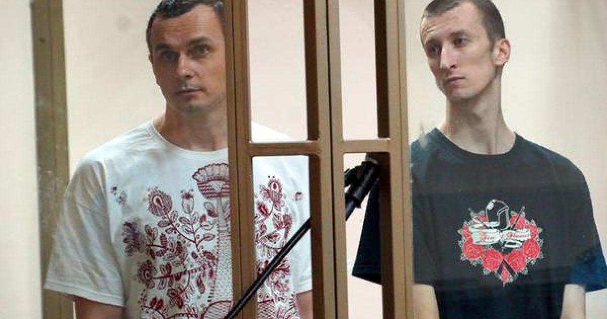 ЕС и США осудили приговор Сенцову-Кольченко и призвали Россию немедленно отпустить пленников