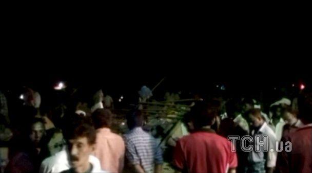 В Індії феєрверки призвели до масштабної пожежі в храмі: більше 70 людей загинули