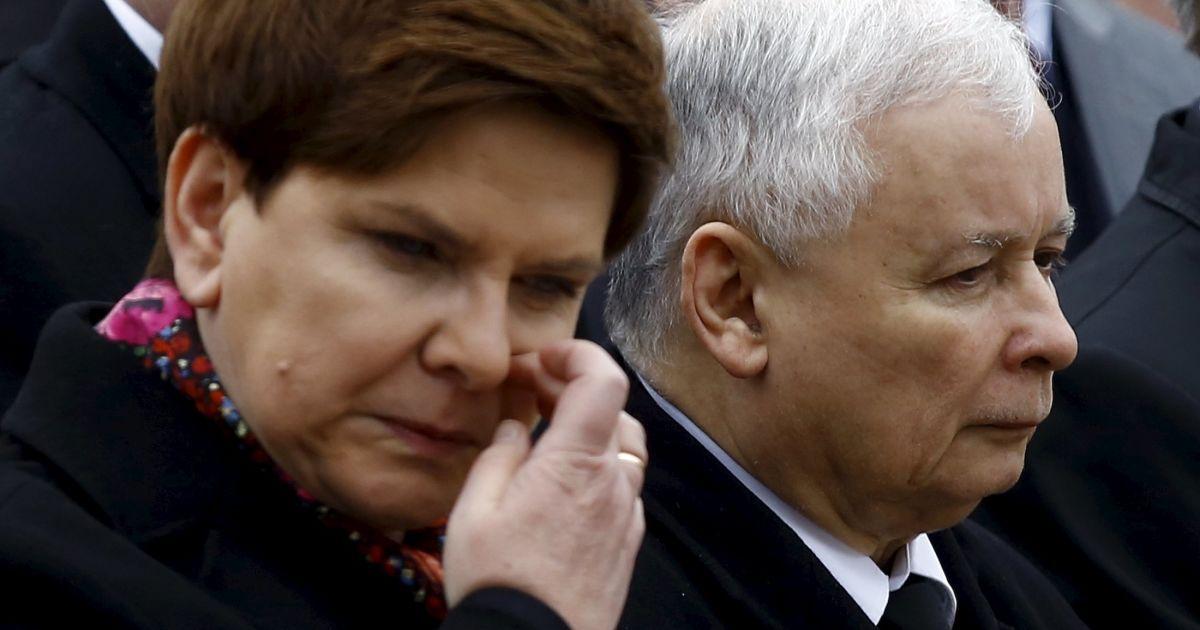 Председатель правящей партии Ярослав ачинский и глава правительства Беата Шидло