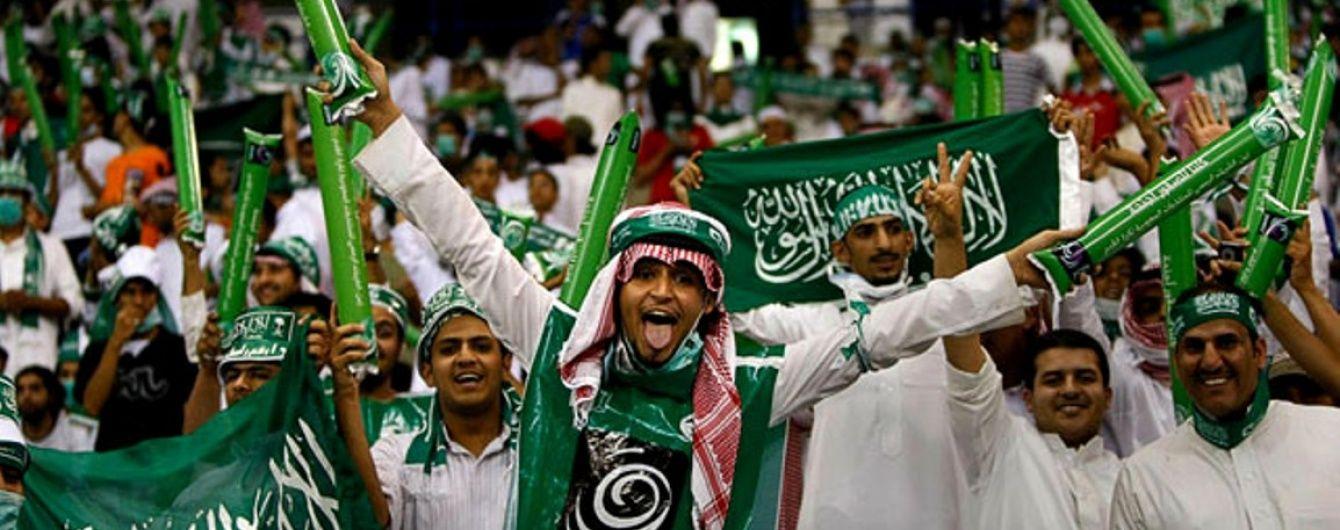 У Саудівській Аравії футболіста змусили стригтися просто під час матчу