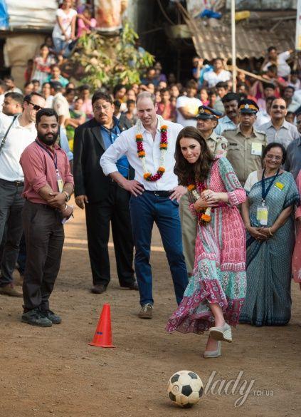 Герцогиня Кембриджская и принц Уильям в Индии_1