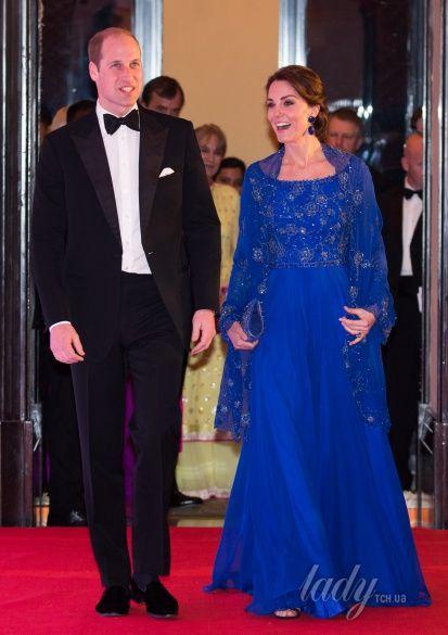 Герцогиня Кембриджская и принц Уильям в Индии_13