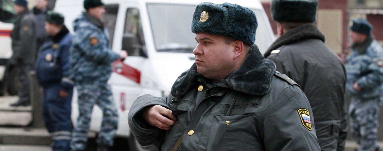 Російські правоохоронці хотіли потрапити до посольства України для пошуку вибухівки