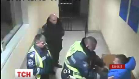Відео-доказ з'явився у справі про побиття правоохоронцями вінницького студента