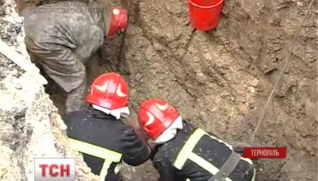 У Тернополі сталась трагедія внаслідок обвалу у чотириметровому котловані