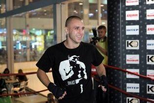 Суперник українського боксера Бурсака травмувався перед чемпіонським боєм