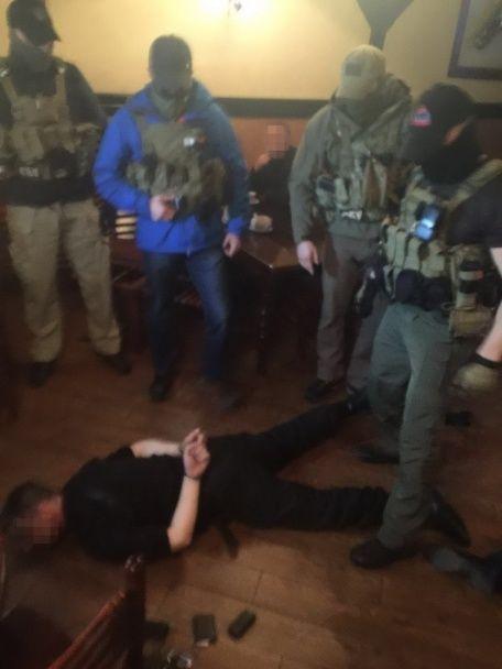 """В Одесі на хабарі погоріли співробітники спецпідрозділу """"Грифон"""""""